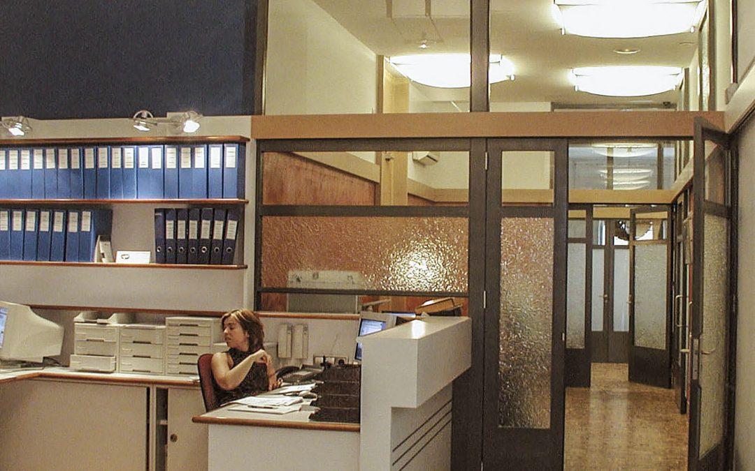 2000. Reforma d'oficines al c. Gran de Gràcia de Barcelona.